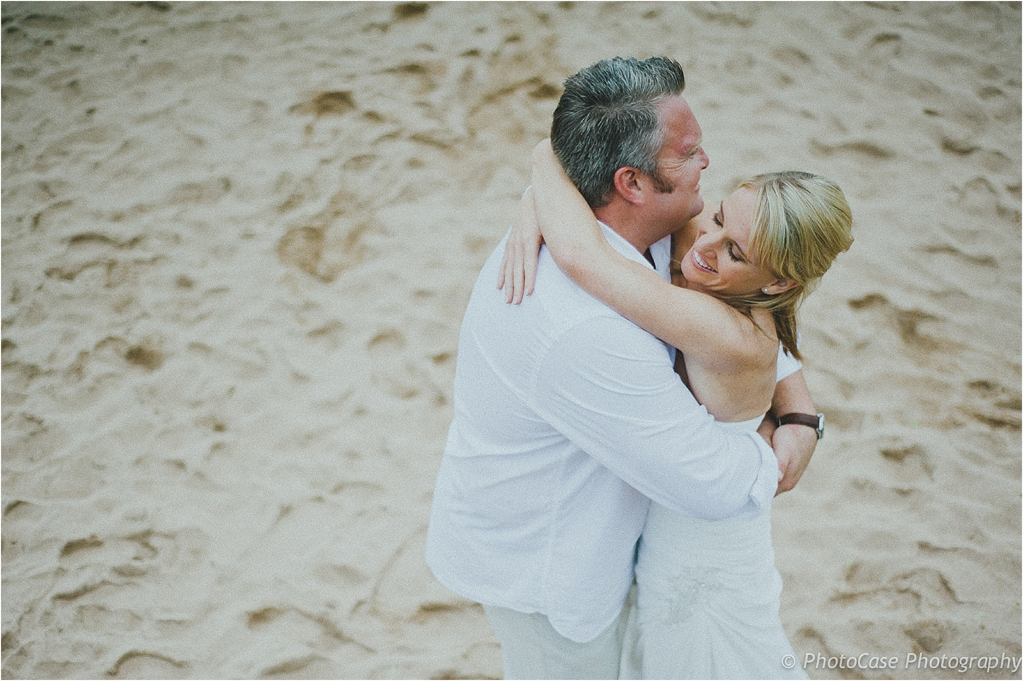 , {Love} Unscripted | Craigh & Sarah @ Palm Dune Lodge, Casey Pratt Photography
